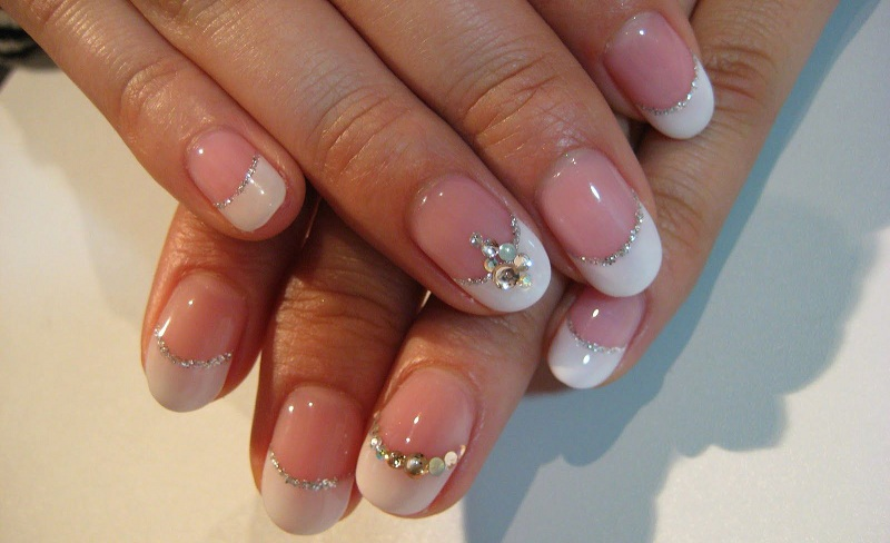 Technique Manicure With Bouillons